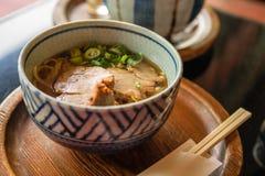 Japanischer Ramen Noddleaufschlag mit Schweinefleisch Stockfoto