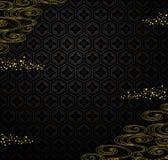 Japanischer schwarzer Hintergrund mit goldenem Pulver und Fluss. Lizenzfreies Stockfoto