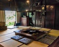 Japanischer versunkener Herd oder irori, verwendet für das Kochen, lizenzfreie stockfotografie