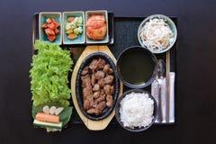 Japanisches Bento Mittagessen Kasten Schnellimbiß mit geräuchertem Aal und Gemüse Lizenzfreie Stockfotos