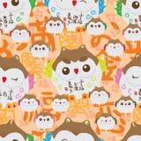Japanisches glückliches Eulenkindernahtloses Muster Stockfotos