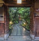 Japanisches Haus und Garten stockfotografie