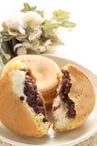 Japanisches Lebensmittel, süßer Wannenkuchen Imagawayaki Stockbilder