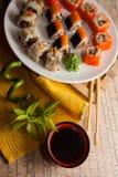 Japanisches maki auf Platte Lizenzfreie Stockfotografie