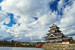 Japanisches Schloss in der Präfektur Nagano, Matsumoto Stadt Lizenzfreies Stockfoto