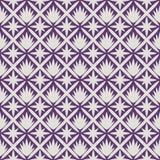 Japanisches weißes Blattmuster auf violettem Hintergrund Stockfotografie