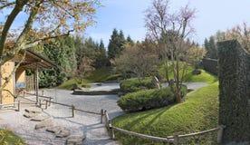 Japanishe trädgård i Berlin PaviljongChaya panorama Arkivbilder