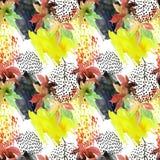 Japans de esdoornblad van de de herfstwaterverf en krabbel naadloos patroon Stock Afbeeldingen