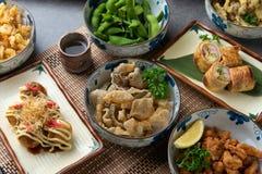 Japans die voedsel op de lijst wordt gediend royalty-vrije stock foto