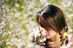 Japans-Hawaiiaans wijfje in openluchtlevensstijlenvi stock afbeelding