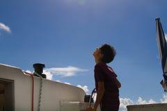 Japans jonge mensenstuurwiel op jacht stock afbeeldingen