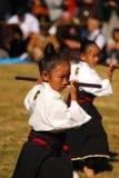 Japans meisje dat kendo, Tokyo, Japan uitvoert Royalty-vrije Stock Afbeelding