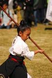 Japans meisje dat kendo, Tokyo, Japan uitvoert Stock Foto's