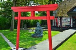 Japans restaurant met Boedha op de achtergrond Stock Fotografie
