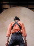 Japans slagwerker-concentratie ogenblik stock foto's