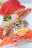 Japans voedsel, susi, geroosterde paling op rijst stock afbeeldingen