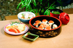 Japanse bentoreeks van sushi stock foto
