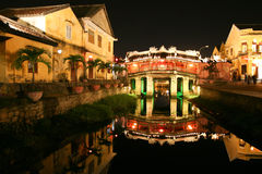 Japanse brug bij nacht in Hoi, Vietnam Royalty-vrije Stock Foto