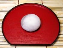 Japanse cake op een plaat royalty-vrije stock foto's