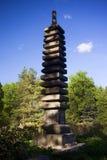Japanse decoratieve kolom met het beeld van Boedha Stock Afbeeldingen