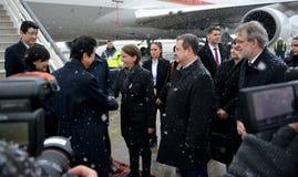 Japanse Eerste minister Shinzo Abe in officieel bezoek aan Republiek Servië royalty-vrije stock afbeelding