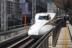 Japanse hoge snelheidstrein (Shinkansen) Stock Foto