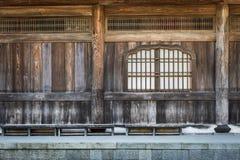 Japanse houten tempel binnenlandse details Stock Afbeeldingen
