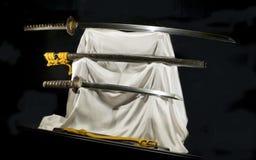 Japanse katana en vakizasi van samoeraienzwaarden Royalty-vrije Stock Foto's