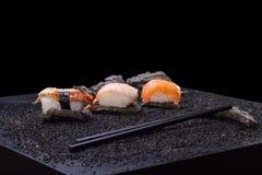 Japanse keuken - sushibroodje Stock Afbeeldingen