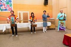 Japanse lokale uitvoerders die traditionele lokale Japanner uitvoeren Stock Fotografie