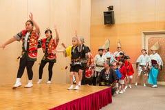 Japanse lokale uitvoerders die traditionele lokale Japanner uitvoeren Royalty-vrije Stock Foto's