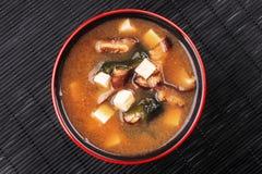 Japanse miso soep met tofu stock foto