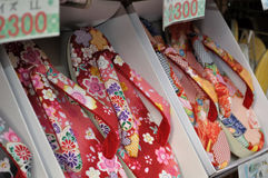 Japanse pantoffels op verkoop Royalty-vrije Stock Fotografie