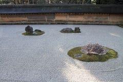 Japanse rotstuin in Ryoan ji, Kyoto royalty-vrije stock foto
