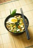 Japanse soep in kom Royalty-vrije Stock Afbeeldingen
