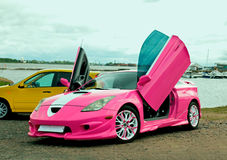 Japanse stemmende sportwagen met lambodeuren Royalty-vrije Stock Foto's