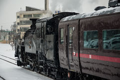 Japanse stoomlocomotief in de winter Stock Afbeelding