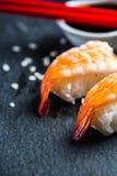Japanse sushi met garnaal Stock Fotografie