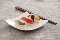 Japanse Sushi -- Tonijn, Paling, Zwaardvissen Stock Foto