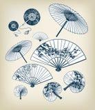 Japanse traditionele vectorillustratie vastgestelde paraplu's en funs ontwerpelementen stock afbeeldingen