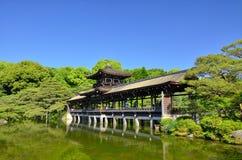 Japanse tuin en de houten brug, Kyoto Japan Stock Foto's