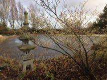 Japanse Tuin in wintertijd Stock Foto's