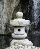 Japanse tuinlamp Royalty-vrije Stock Foto's