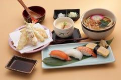 Japanse vastgestelde maaltijd Royalty-vrije Stock Foto's