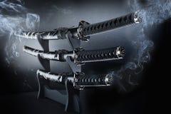 Japanse vastgestelde zwaarden Katana stock foto's