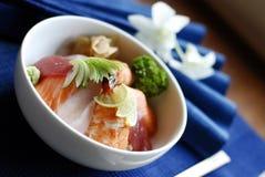 Japanse vissen gebaseerde schotel stock afbeeldingen