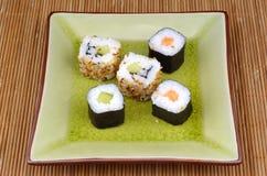 Japanse voedsel, sushi en maki Royalty-vrije Stock Foto's