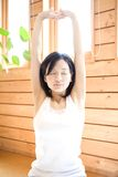 Japanse vrouw die oefening doet Stock Afbeelding