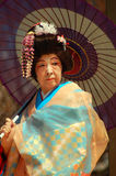 Japanse vrouw in traditionele kleding royalty-vrije stock afbeelding