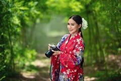 Japanse vrouwenkimono stock fotografie